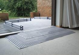 rollstuhlrampe teleskop stufenrampe rampe f r auto. Black Bedroom Furniture Sets. Home Design Ideas